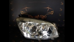 Toyota RAV4 (2006-2008) priekšējais labais lukturis