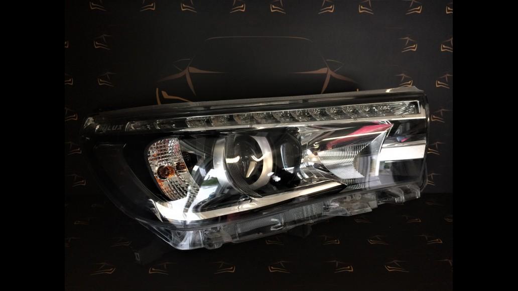 Toyota Hilux (2015-2018) 811400K730 right headlight