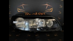 Volvo V70, XC70, S60 (2000-2004) 30655906 right headlight