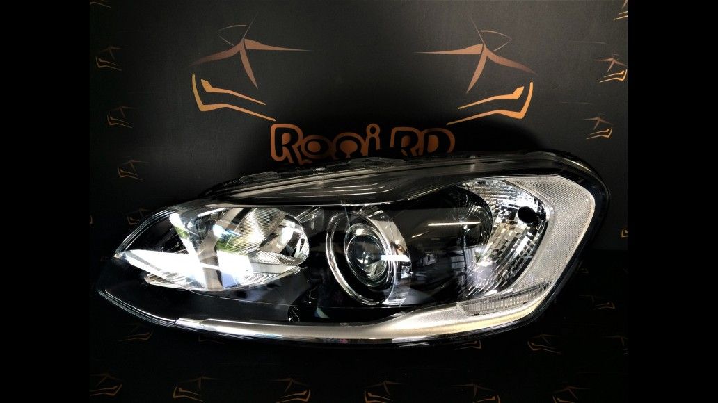 Volvo XC60 Facelift 2014+ 31420257 left headlight