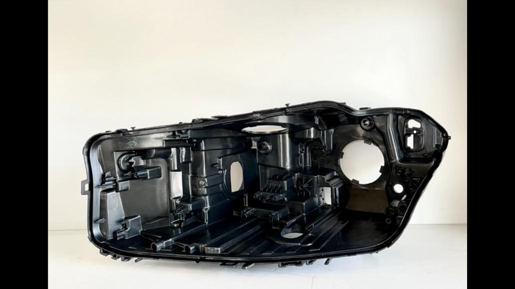 BMW 5 G30  (2017-2020) kreisā luktura korpuss