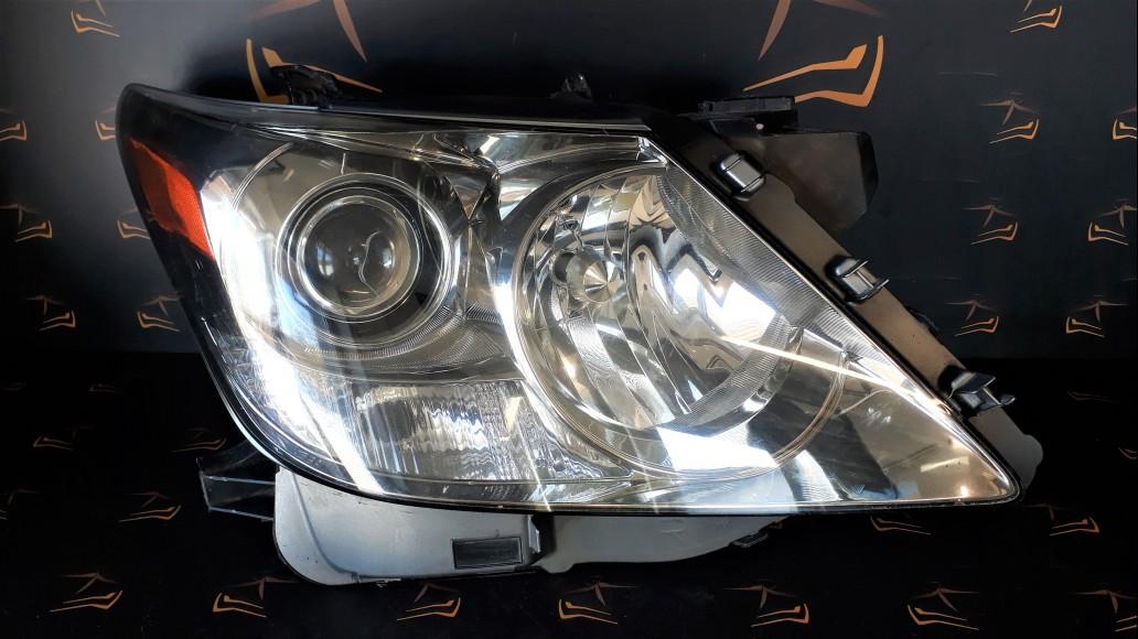 Lexus LX 570 (2008–2011) 8113060D61 передняя правая фара