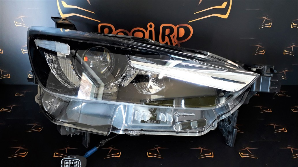 Mazda CX-3 2016+ LED D10E51030 D10E-51030 right headlight