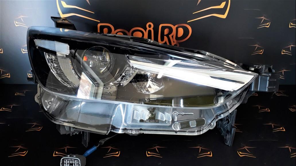 Mazda CX-3 2016+ LED D10E51030 D10E-51030 priekšējais labais lukturis