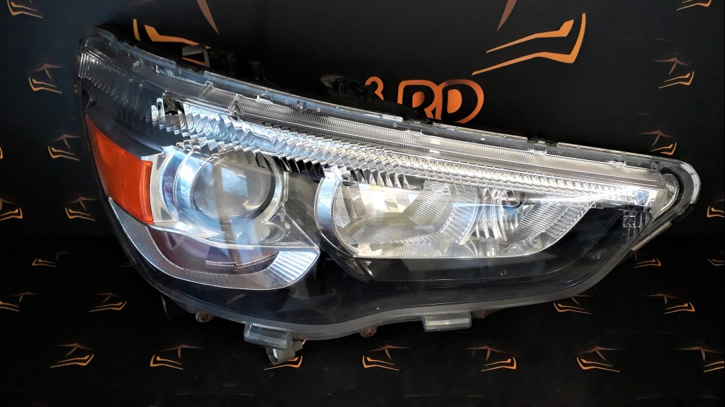 Mitsubishi ASX 3 (2010-2019) P9239 right headlight
