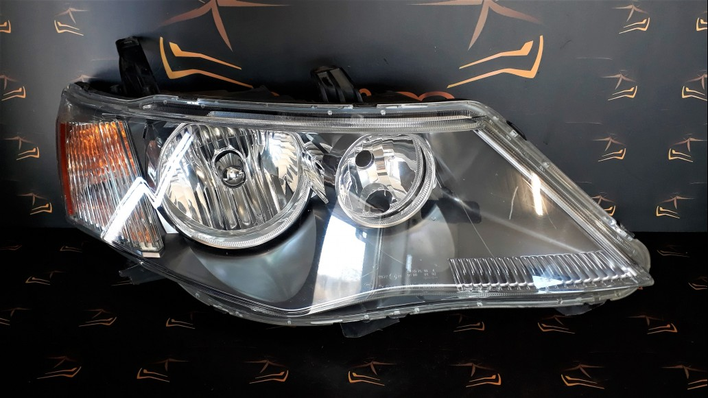 Mitsubishi Outlander (2006-2010) STANLEY P5589R right headlight