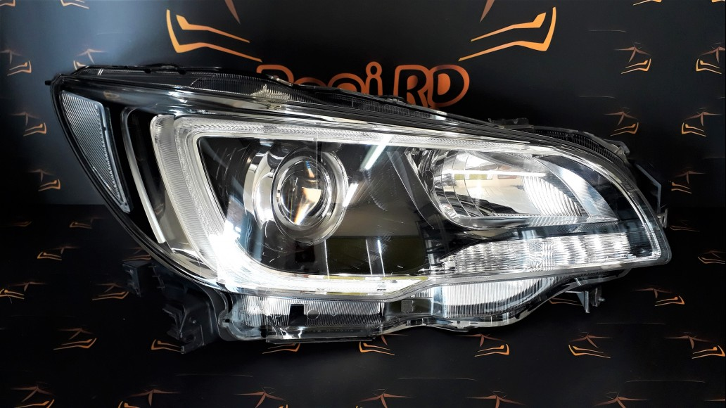 Subaru Legacy 2015+ right headlight