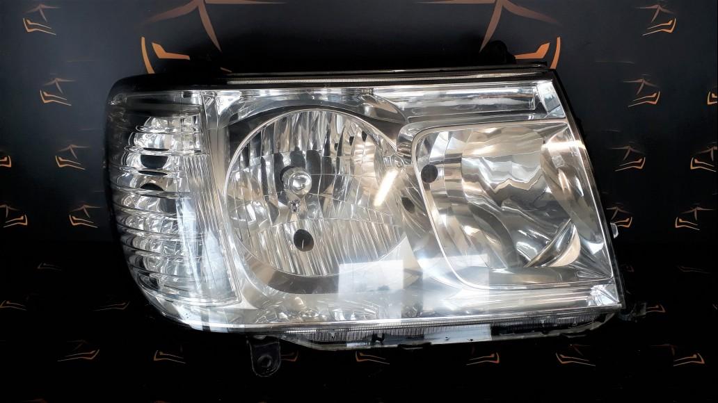 Toyota Land Cruiser 100 (2002–2007) 81130-60B51, 8113060B51 priekšējais labais lukturis