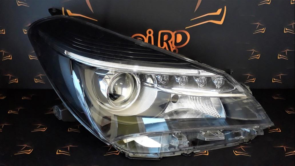 Toyota Yaris 2014+ 81130-0DA50, 811300DA50 priekšējais labais lukturis