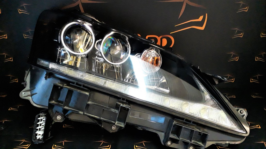 Lexus GS 450h 2012+ right headlight