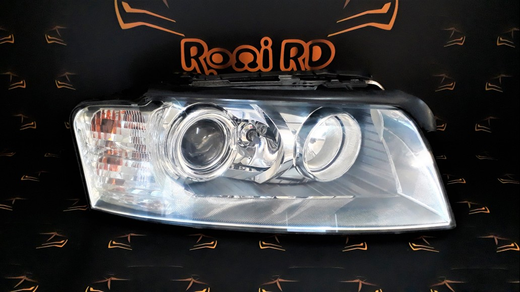 Audi A8 D3, Typ 4E (2002–2009) right headlight