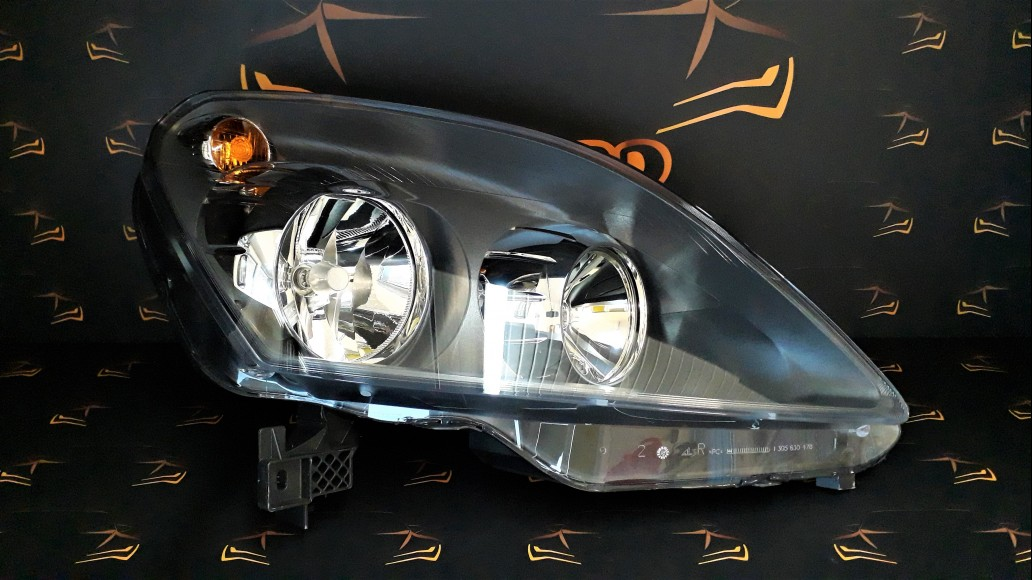 Opel Zafira 2005+ 0301214204 right headlight