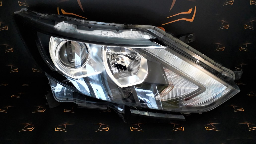 Nissan Qashqai 2 J11 2013+ 100-18013 right headlight
