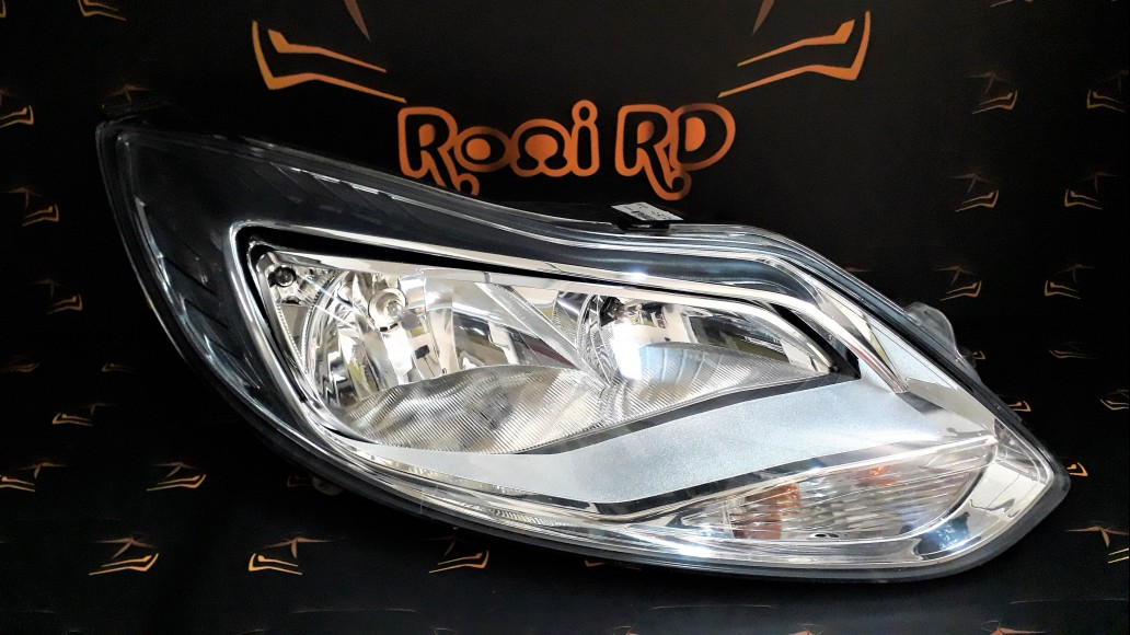 Ford Focus 3 (2011–2018) BM5113W029NB right headlight