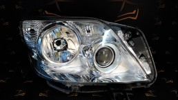 Toyota Land Cruiser 150 (2009-2013) right headlight