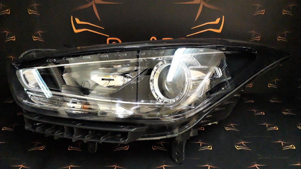 Hyundai I40 2015+ 921013Z530 priekšējais kreisais lukturis