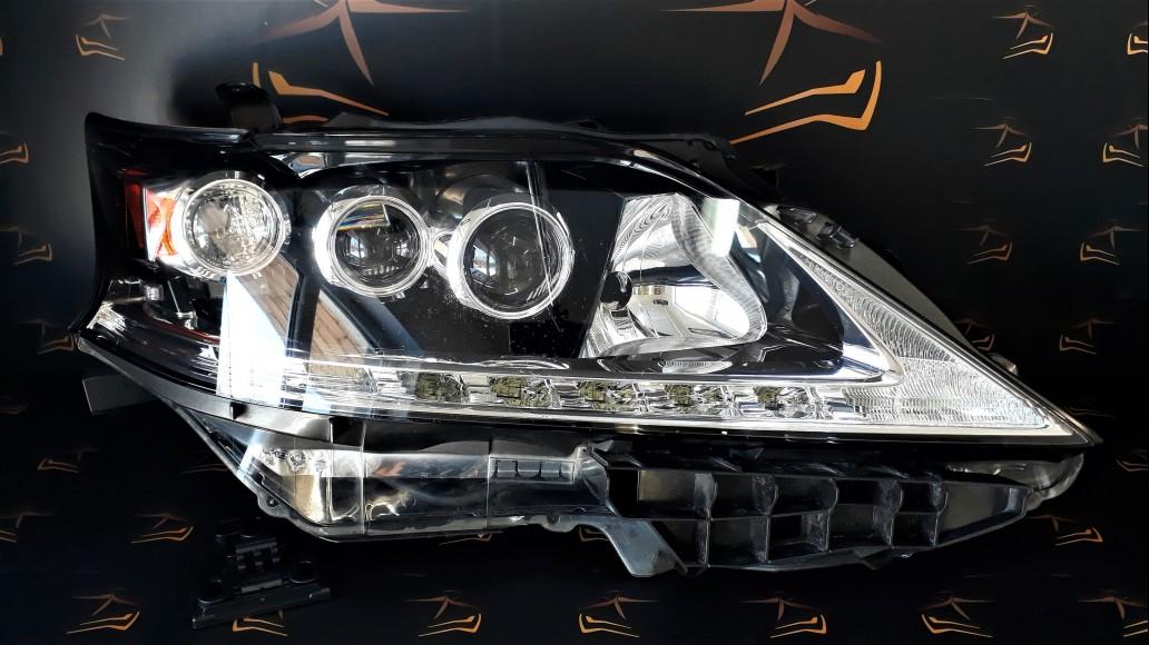 Lexus RX 450 H facelift (2012–2015) 8114548B70 передняя правая фара