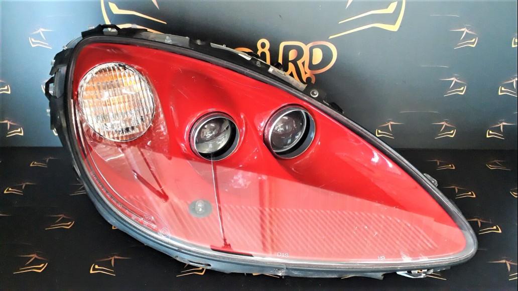 Chevrolet Corvette C6 Red (2005–2013) 25867789 114-00142EL right headlight
