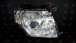 Mitsubishi Pajero 4 (2006–2011) 100-87875 priekšējais labais lukturis