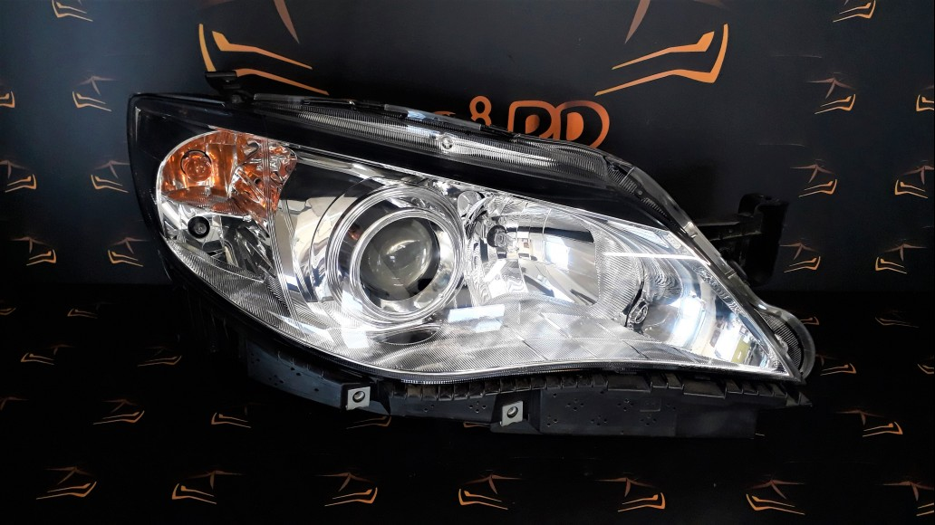Subaru Impreza G3, XV (2007–2011) right headlight