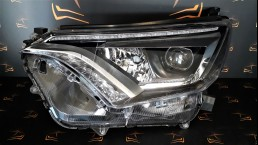 Toyota RAV4 XA40 facelift (2012–2018) left headlight