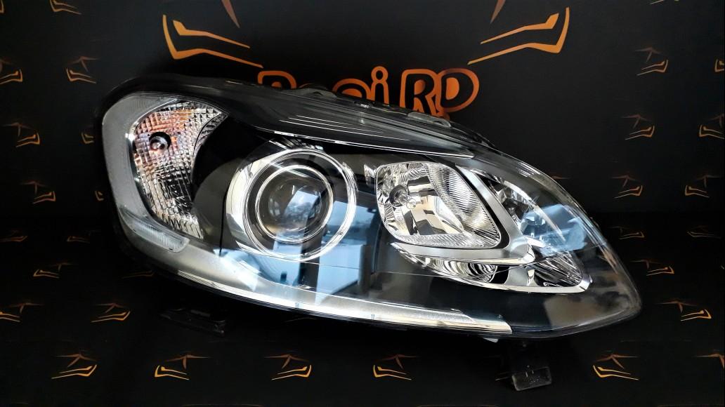 Volvo XC60 facelift 2014+ 31420250 Bi-Xenon right headlight