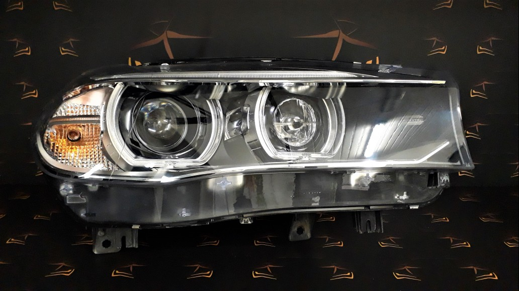 BMW X5 F15 (2014–2018), X6 F16 2015+ F85, F86 Dynamic 7290054 priekšējais labais lukturis