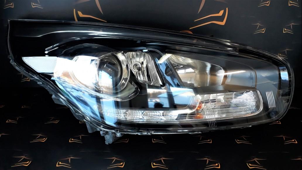 Kia Carens MK3 2013+ 92102A4140 right headlight