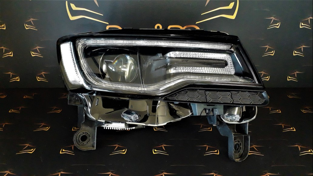 Jeep Grand Cherokee SRT WK2 2014+ 68142492AF right headlight