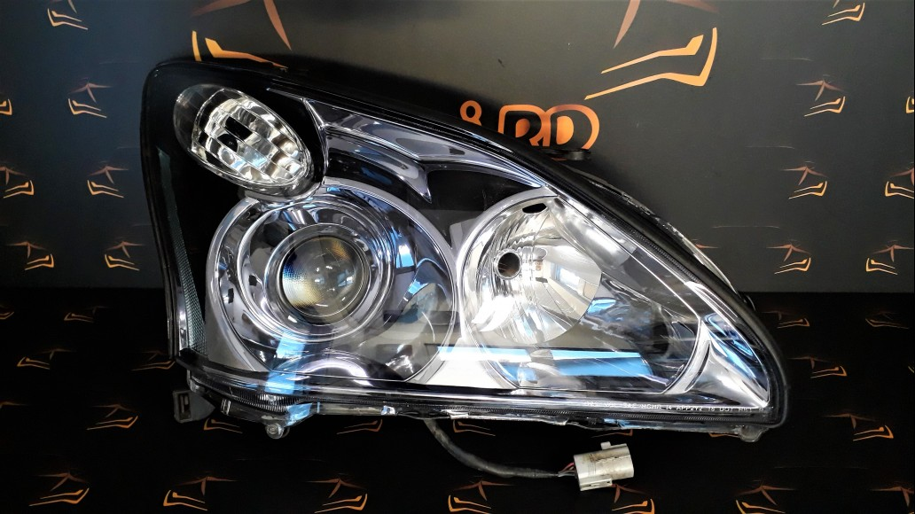 Lexus RX 350 Hybrid (2004-2008) right headlight