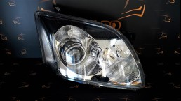 Toyota Avensis (2003-2006) 8113005212 right headlight