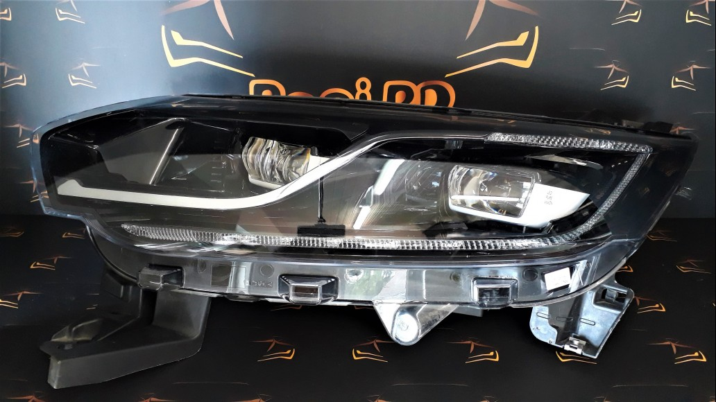 Renault Espace (2015-2017) Full LED 260608372R передняя левая фара