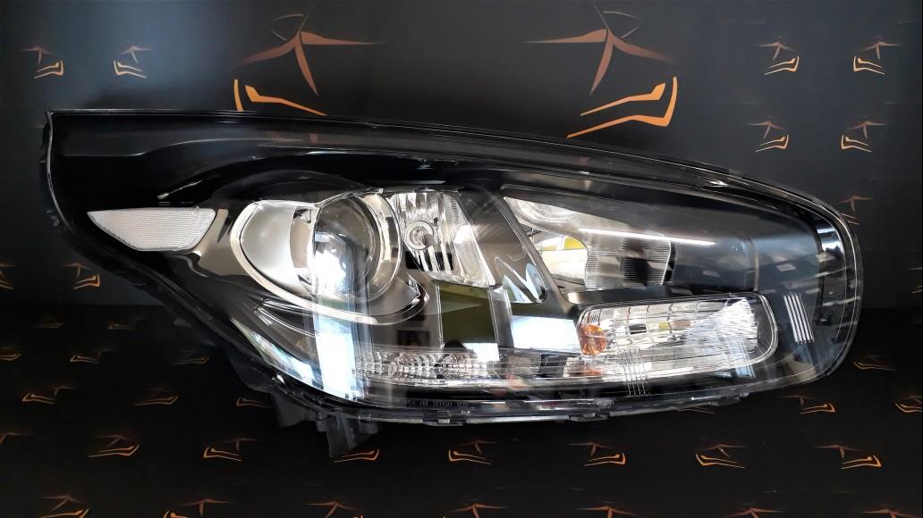 Kia Carens MK3 2013+ 92102A4140 priekšējais labais lukturis