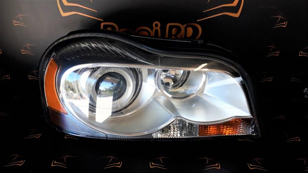 Volvo XC90 (2002-2015) 31446869 priekšējais labais lukturis