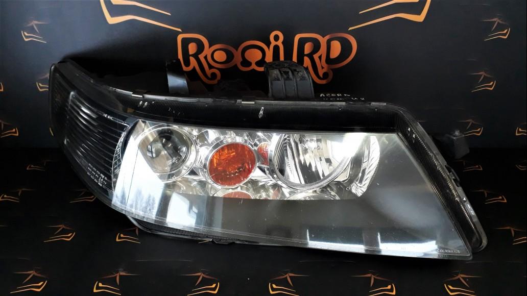 Honda Accord Xenon (2003-2005) right headlight
