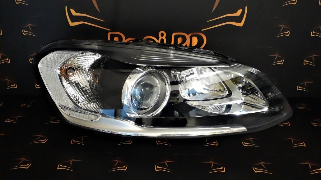 Volvo XC60 facelift 2014+ 31395897 Bi-Xenon right headlight