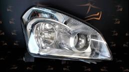 Nissan Qashqai (2008-2013) 26010JD90A priekšējais labais lukturis