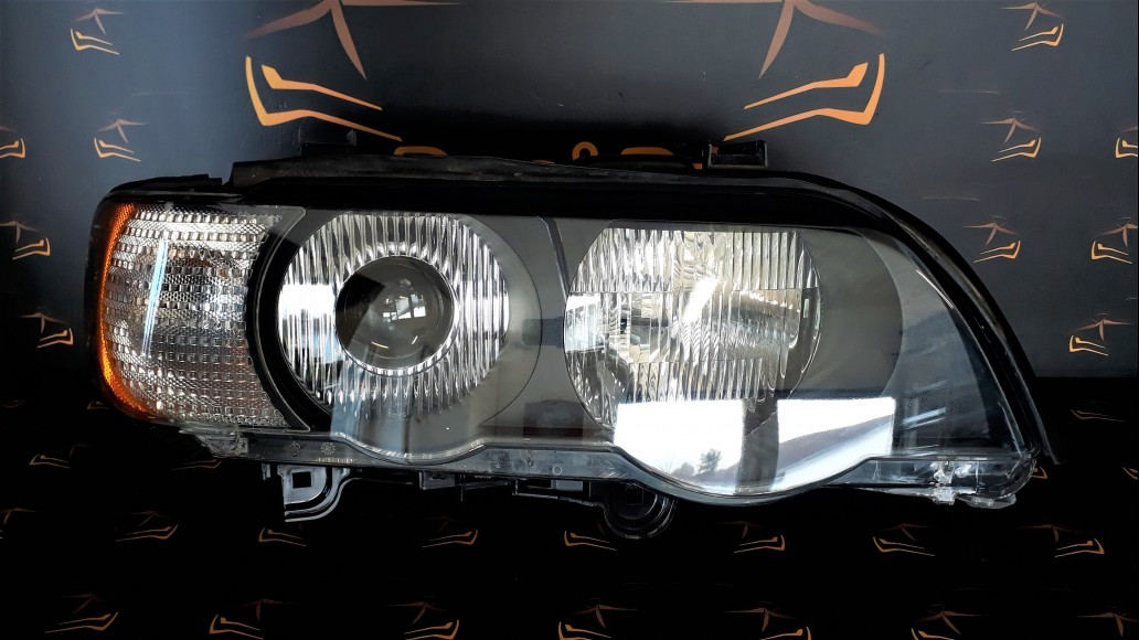 BMW X5 E53 (2000-2003) right headlight